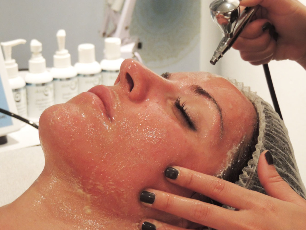 emena-spa-oxygen-facial-miami2